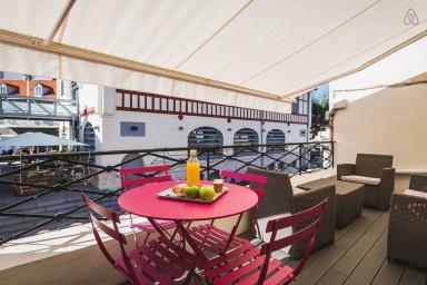 Keyweek Appartement Design avec Terrasse et Parking aux Halles de Biarritz