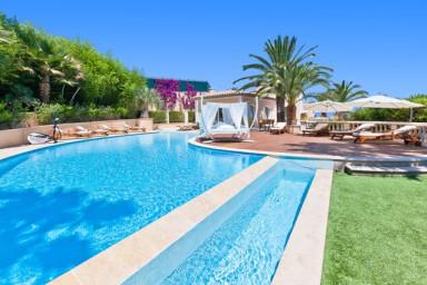 Magnifique propriété dans les hauteurs de Cannes avec vue mer panoramique