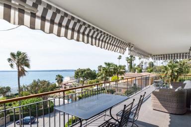 Superbe 3 pièces avec vue mer panoramique et piscine