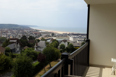Amazing large apartment, fully equipped, with sea view