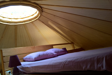 Super comfortable wooden yurt-heated swimming pool
