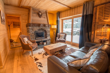 Authentic Chalet SKI IN-SAUNA in Chandon!