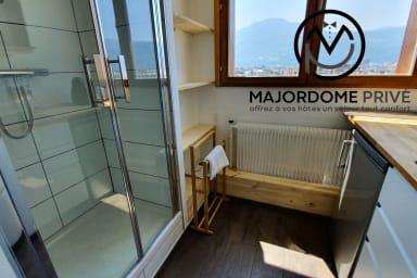 New studio ❤️ Very well arranged, top floor, magnificent view #L4
