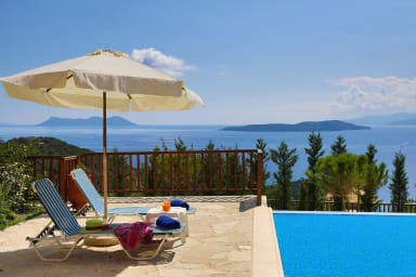 Villa Auriga - Spacious Villa with Magnificent Sea View