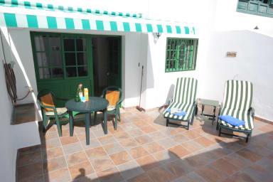 Apartment del Sol - sunny terrace 10 min from the beach Puerto del Carmen