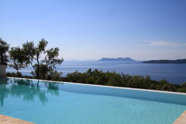 Villa Nisi, brand new, stunning sea view, infinity pool Wifi