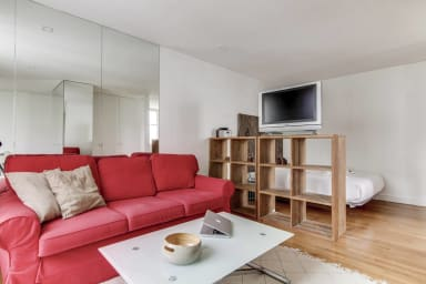 Studio Apartment near the Arc De Triomphe