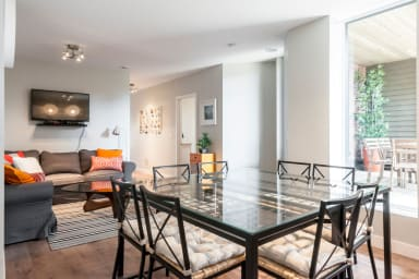 Le Lounge: Spacious Apartment in Heart of the Plateau +   Private Terrace