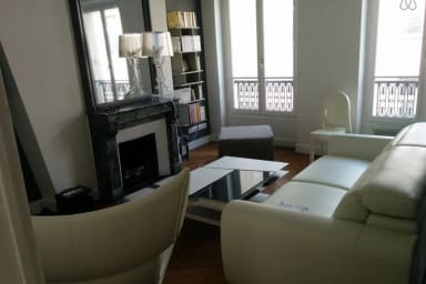 Stylish flat in the heart of Paris