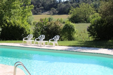 La Farigoule, la piscine du domaine