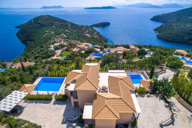 VILLAS ADIORA - Luxury Spacious Villas for Big Groups