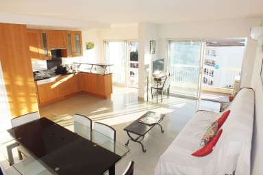 Apartment with front and rear views, calm location, close to la Croisette
