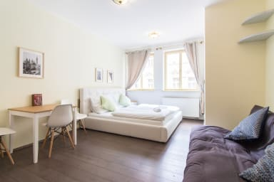 Charles Bridge Studio Apartment in Historical Prague by easyBNB