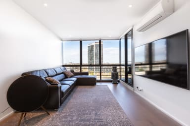 Sabrina, Clean Contemporary 2 bedroom Docklands Apartment