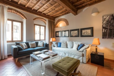 HEART OF FLORENCE Pitti 2 Bed-Apartment! hosted by Sweetstay