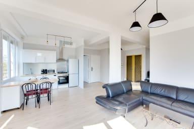 Grand appartement lumineux proche des Terrasses du Port - Air Rental
