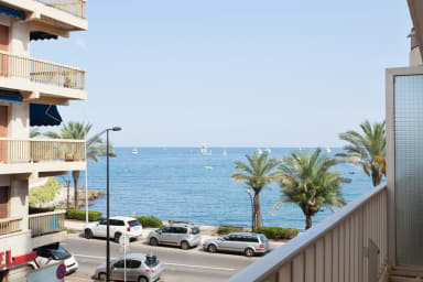 Spacious apartment with balcony a few steps from Vieil Antibes - Welkeys