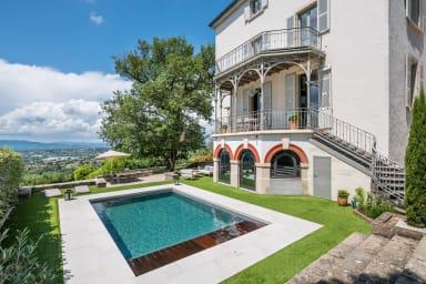 Volange - Splendide maison perchée à flanc de colline
