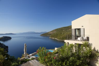 Villa Kastos - Stylish Luxury Villa with Direct Sea Access