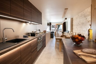 Prestigeous Accommodation for large groups in the Heart of les 2 Alpes
