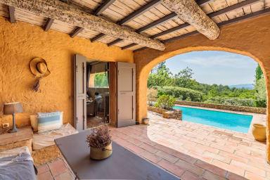 Mas Antares, Mas Provençal, 10 personnes, piscine, boulodome.