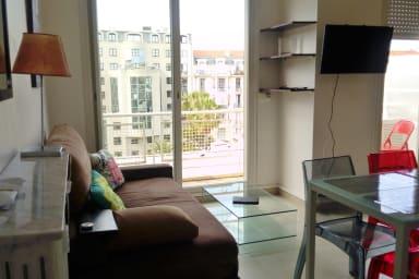 Charmant et calme studio avec balcon au coeur de Nice