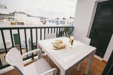 Cómodo apartamento en el centro de Playa Blanca con balcón - Sara N° 3