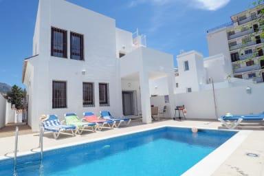Nerja Paradise Rentals - Villa Perla