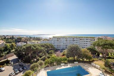 VANEAU ☀️ 4 BR Apartment Vaneau sea view - pool - parking