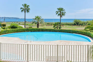 Bright apartment with swimming-pool in Juan-les-Pins/Antibes/Golfe-Juan