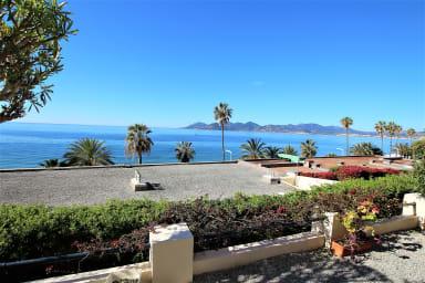 appartement 145 m2 face à la mer / accès privé à la mer
