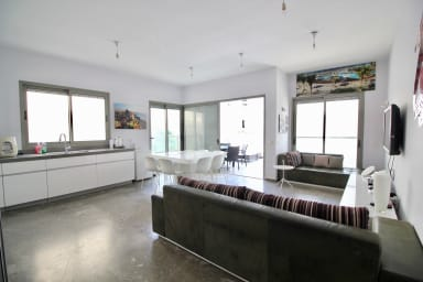 Frishman 9, by the beach - 3bedrooms with terrace