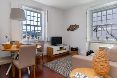 Ribeira Apt for 4 in the historical Porto center