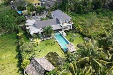Magnificent Private villa, 5 BR,  Canggu w/ staff