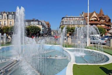 ☘ Place Morny ☛ Plage de Deauville à 300m ⛱