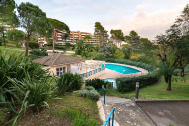 Appartement Valia / Magnifique appartement avec piscine à Cannes !