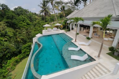 Magical Jungle Villa, 4 BR, Ubud w/ staff up to 50 % discount