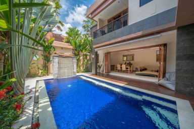 3BR Villa in Central Seminyak - Large Pool!!