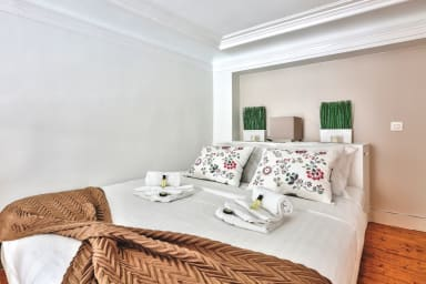 Great Value in the center of Paris!(511)