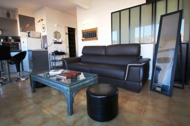 Cozy 1 bedroom apartment and terrace, Cannes, Croisette 2 mins