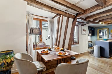 Perfect Rustic Hideout for up to 4 guests in Les Halles