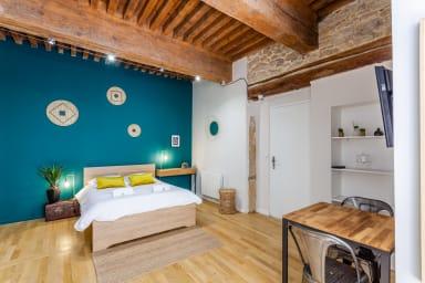 💚 Magnifique appartement avec terrasse à Hôtel de Ville 💚