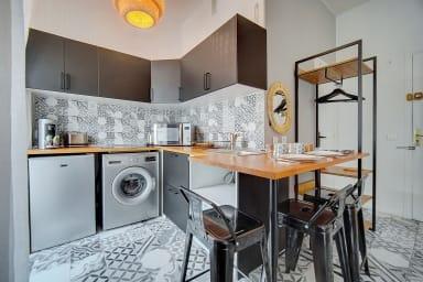 Immogroom- Sublime studio avec terrasse- Rue commerçante/bar- CONGRES/PLAGE