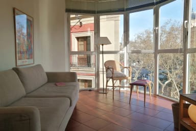 Ideal for expats and couples! Gorgeous views over La Rambla -Rambla A
