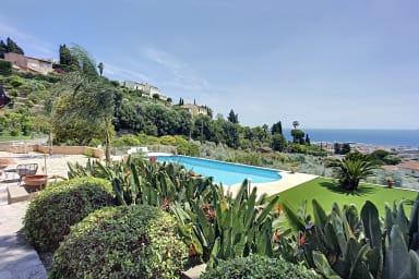 (042) Exceptionnelle Villa Provençale vue mer panoramique piscine