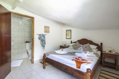 Schlafzimmer Nr. 4: Nizza Obergeschoss Schlafzimmer mit eigenem Bad (+ WC),
