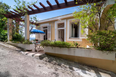 Maison Pergola / Pretty house with 3 bedrooms with a magnificent sea view