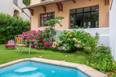 Charming 30's town house with swimming pool close to Central Toulouse
