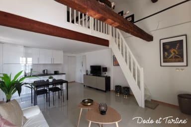 Enchanting 2 bedroom with sea view and AC - Dodo et Tartine