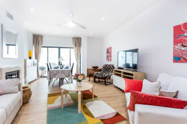 Artistic and stylish apartment, walking distance to the beach